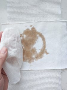 wet and dry napkin stain